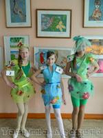 """Коллекция """"Лето"""" (одежда из нетрадиционных материалов) на городской Конкурс моды"""