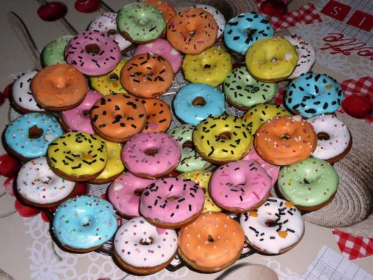 Mini donuts с изюмом и ромом